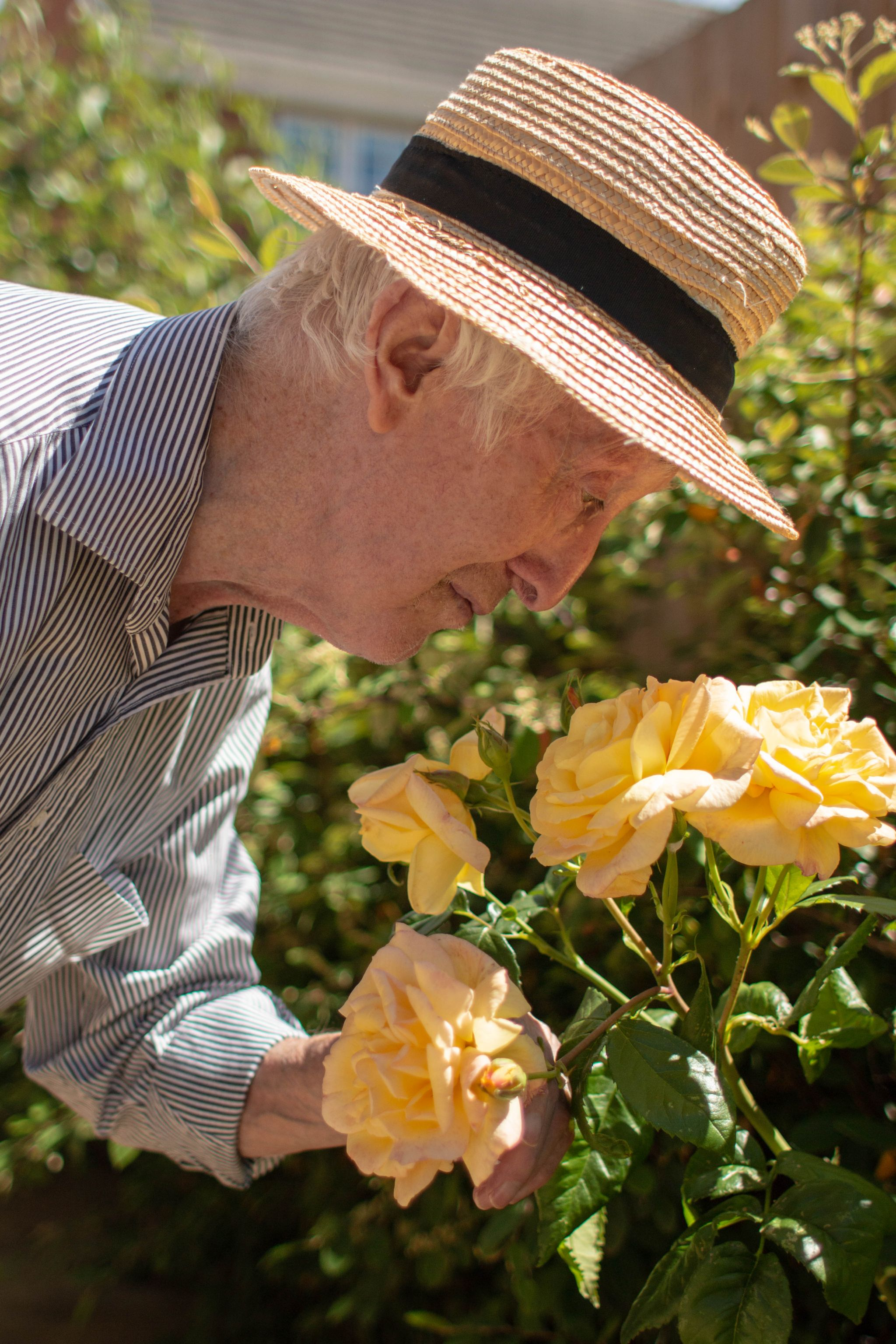 craig healthcare residents lifestyle photography hannah layford resident smelling rose