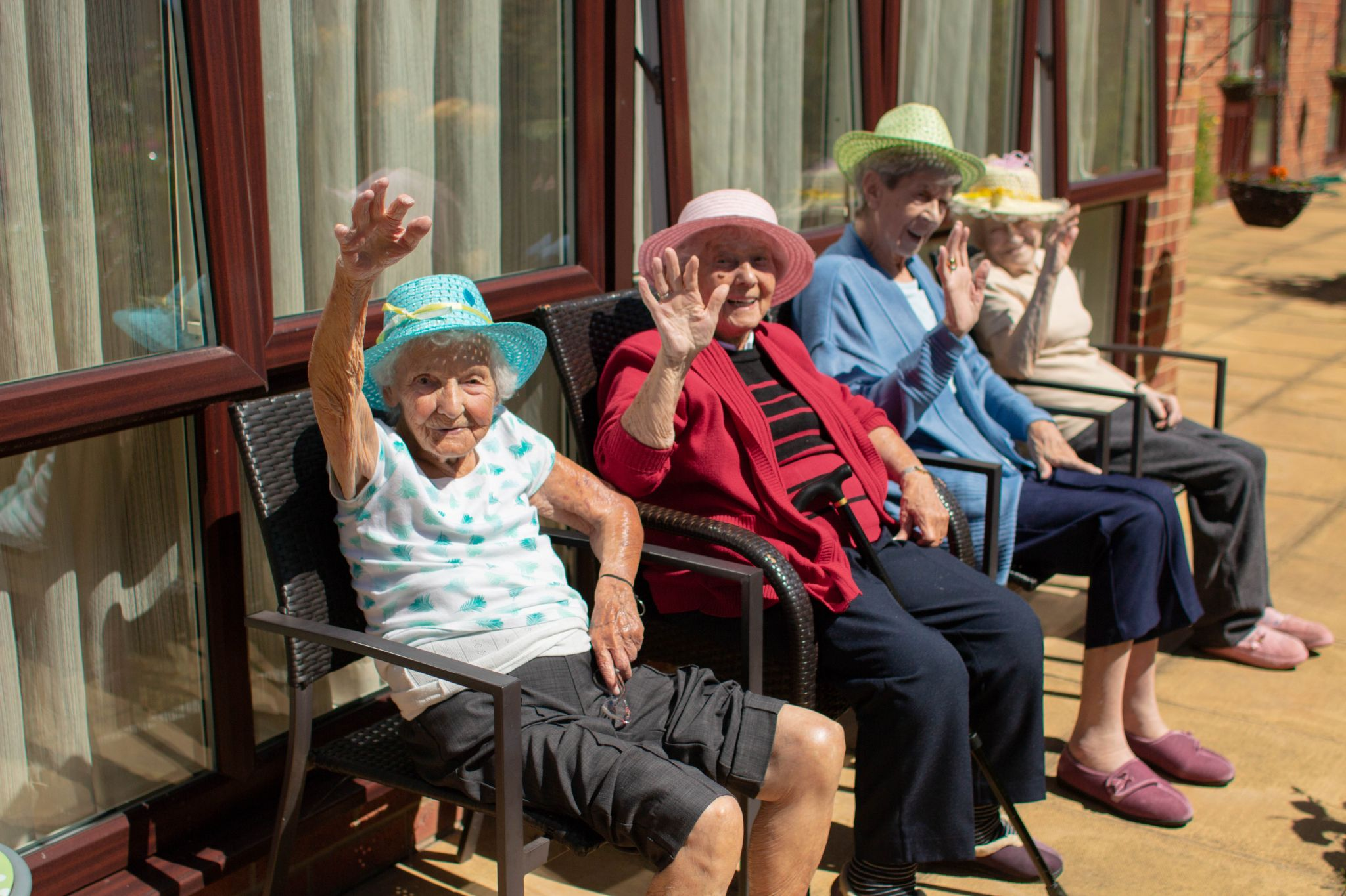 craig healthcare residents lifestyle photography hannah layford residents in sun hats
