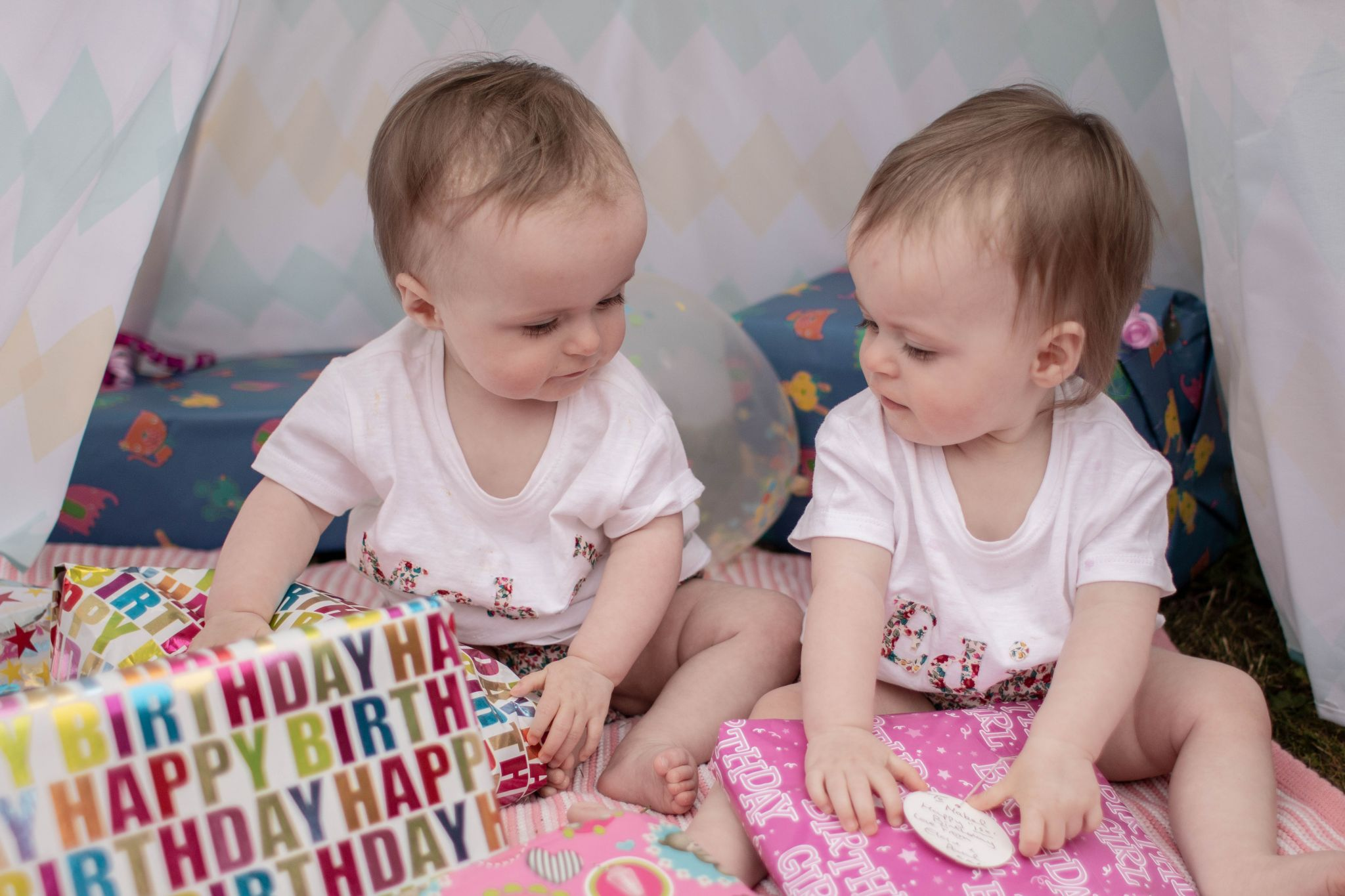 hannah layford child photography shoot portraits birthday party twins babies