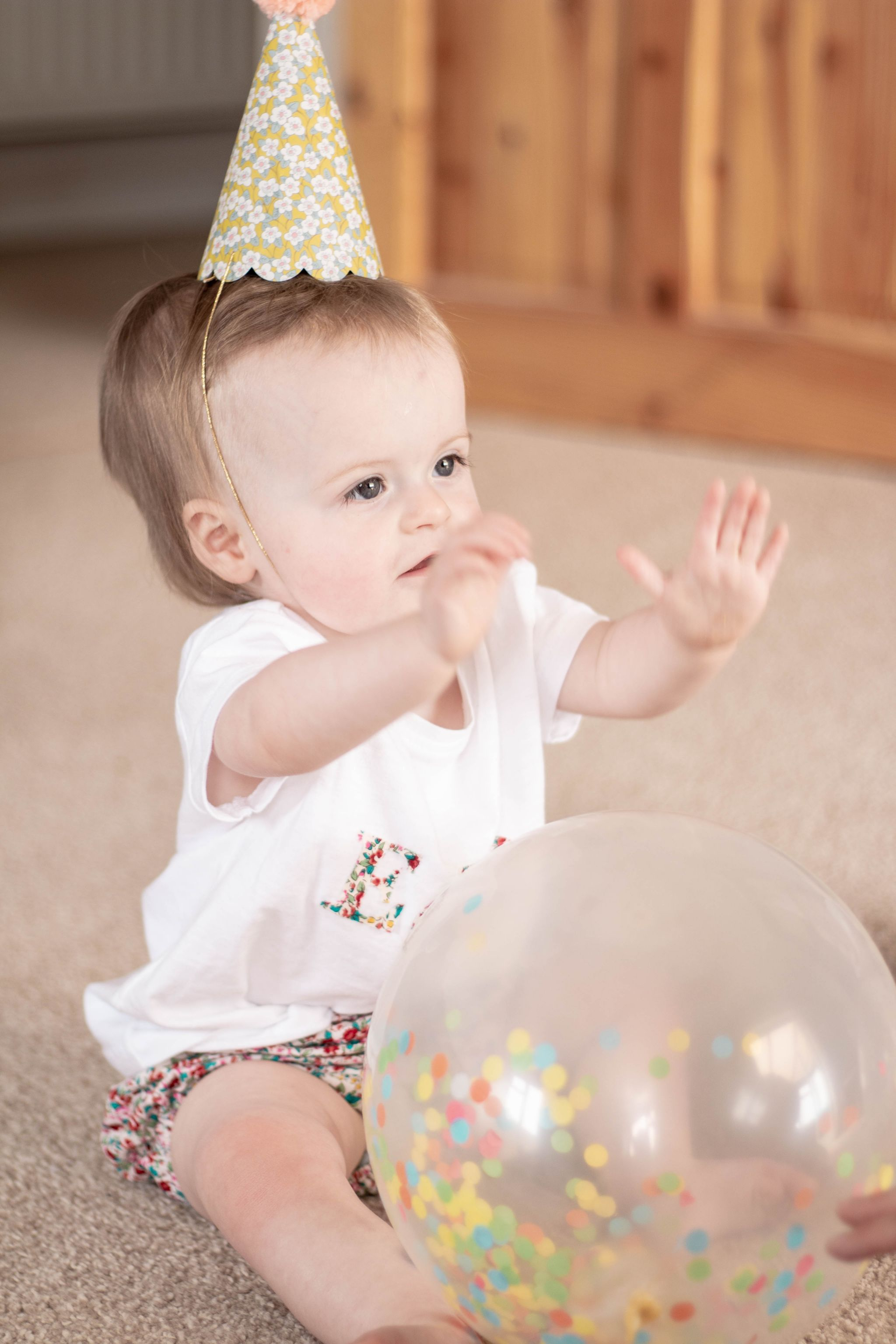 hannah layford child photography shoot portraits birthday party twins party hat