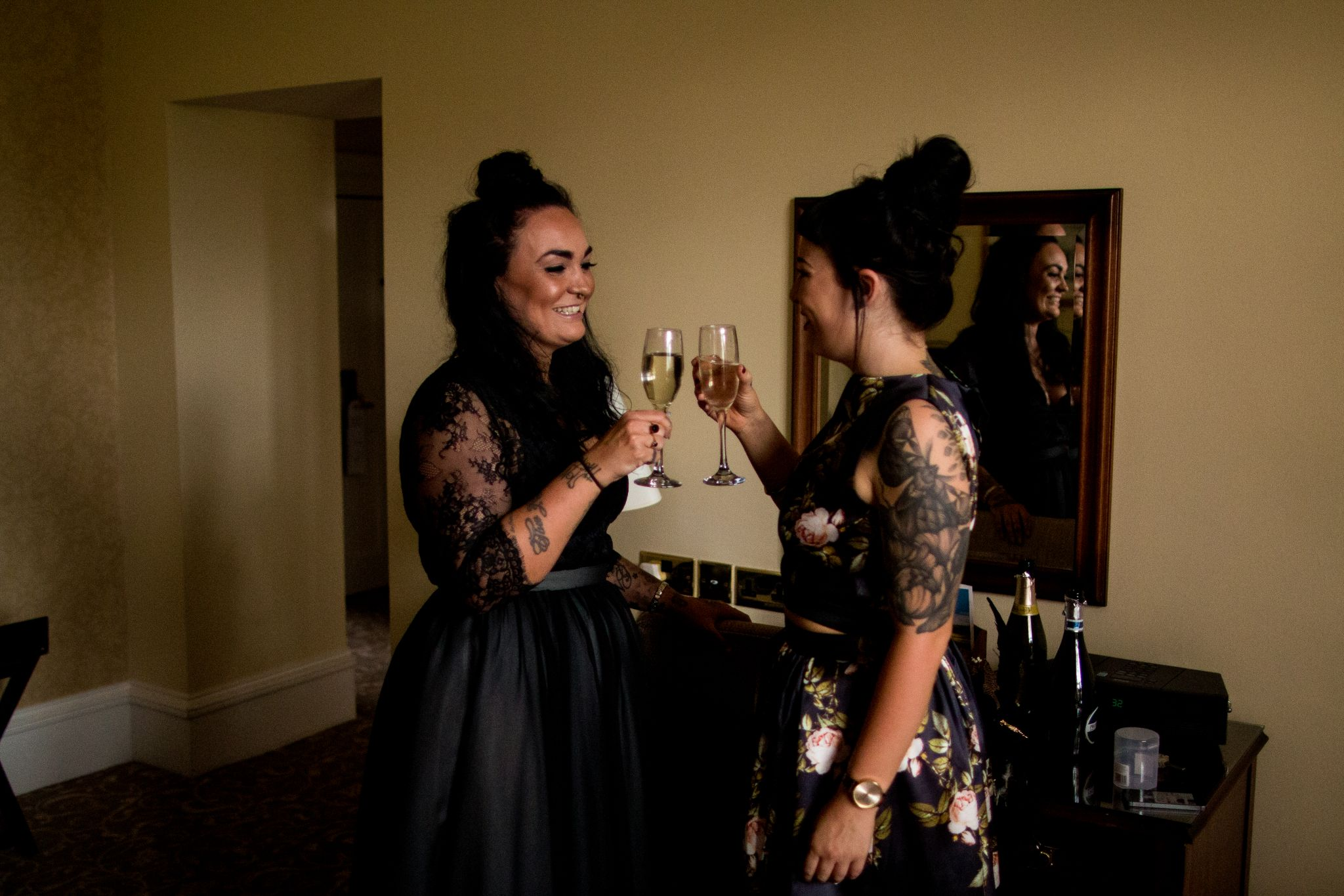 hannah layford wedding photography getting ready toast